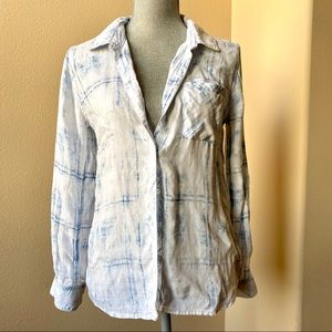rails faded blue and white print button down